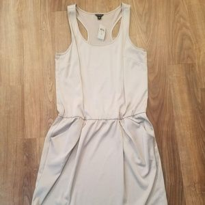 NWT Anne Taylor Tan Dress with pockets Size M